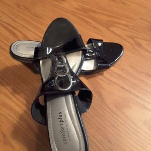 Comfort plus by Predictions black patent sandals 9